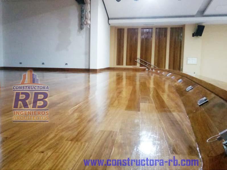 Trabajo renovación piso en madera