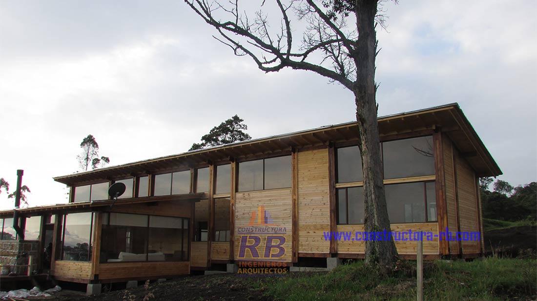 Construir Casas Campestres totalmente en Madera con los Ingenieros Arquitectos de la Constructora RB
